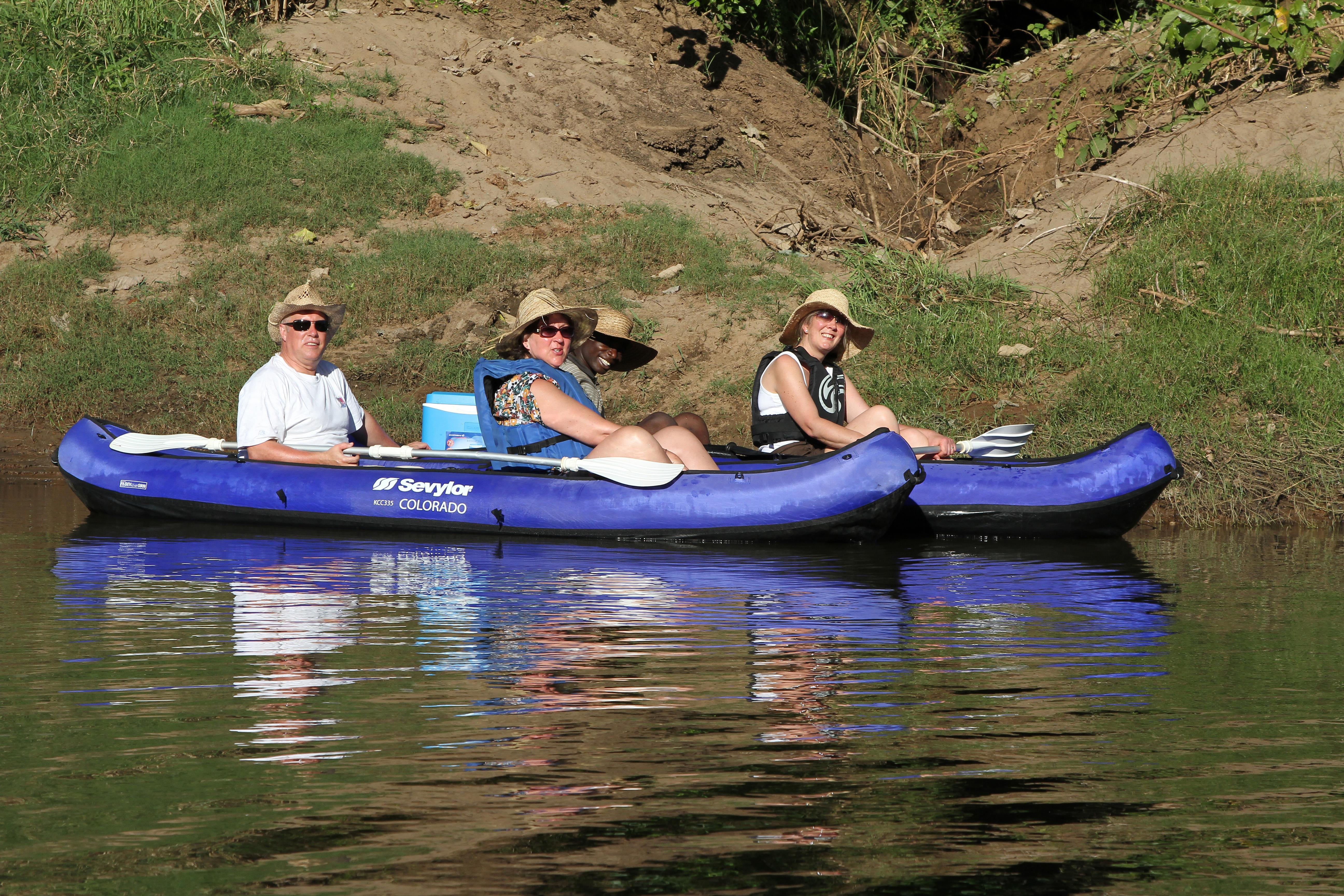Canoe Safari - Trek Tongole Wilderness Lodge
